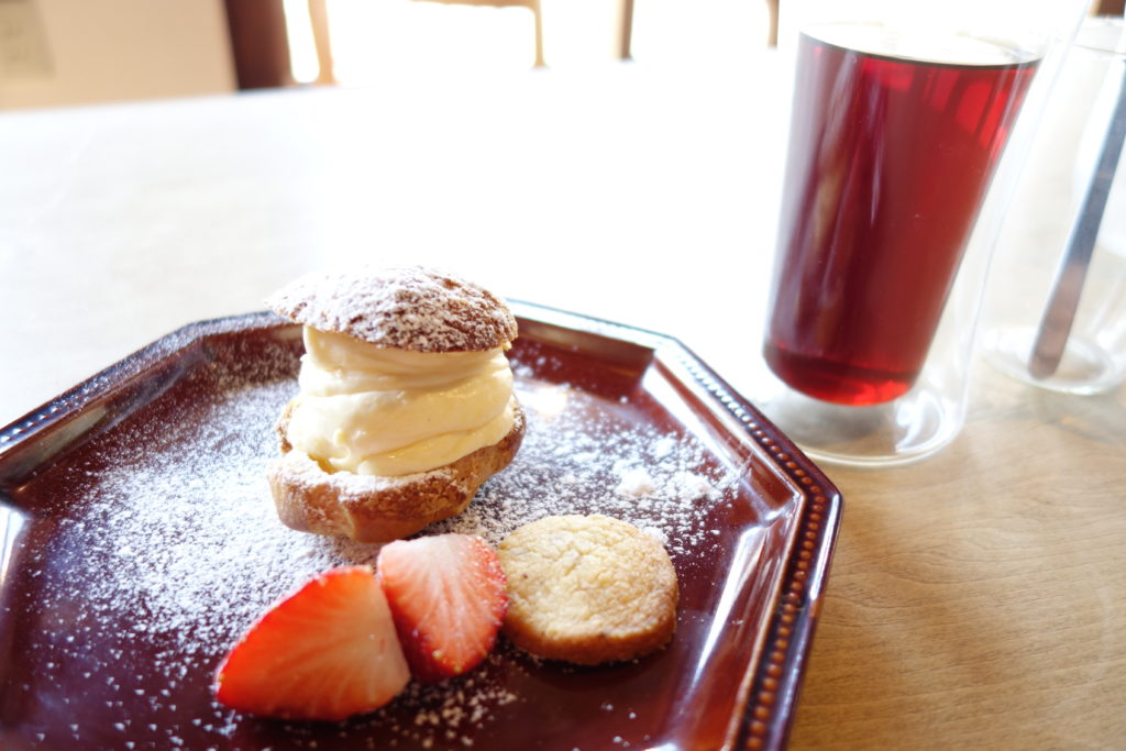 高岡市おしゃれカフェコンマスタンドコーヒーシュークリーム