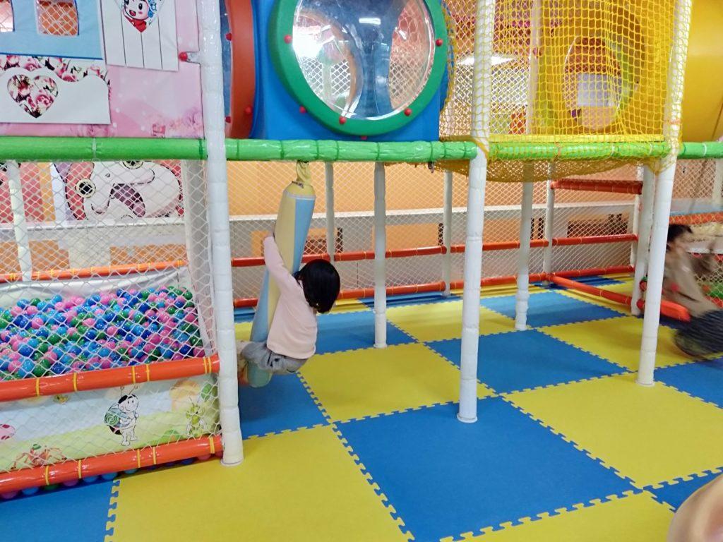 高岡市子供の遊び場屋内