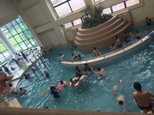 アラピア高岡イルカの温水プール