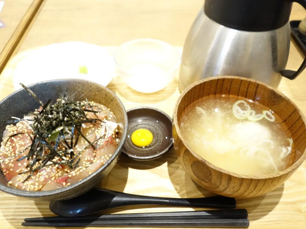クルン高岡地下街で美味しい魚のランチが食べられる【510(GOZZO)】へ