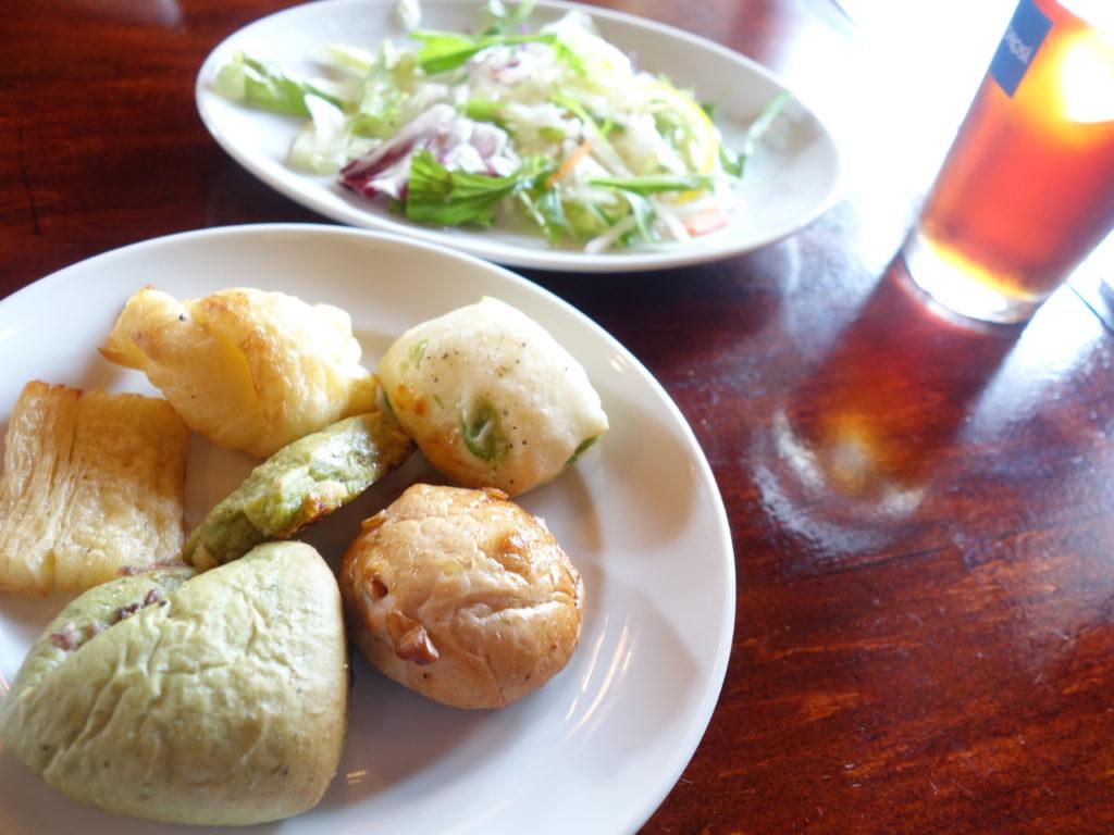 高岡市赤祖父の【チアーアップ】でパン食べ放題付きのランチを食べてきた!