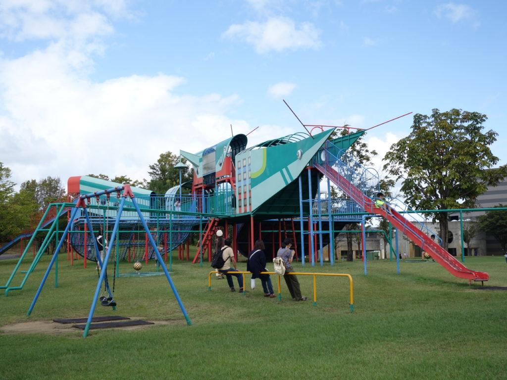 クロスランドおやべの公園
