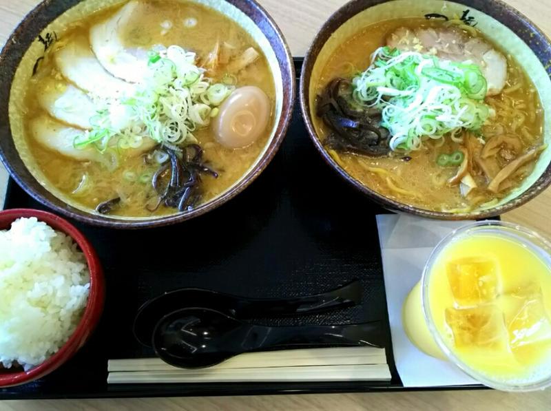 【麺屋つくし】をアウトレットで味わう。すみれの味を受け継ぐ行列ラーメン!